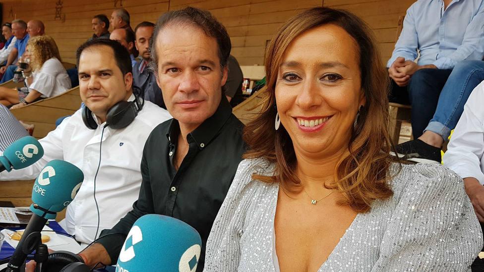Mónica Alaejos, Miguel Ángel Sánchez y Sixto Naranjo durante una de las retransmisiones de COPE Salamanca