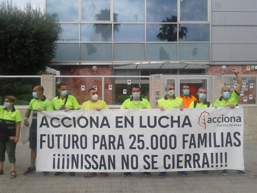 Trabajadores de Acciona protestando