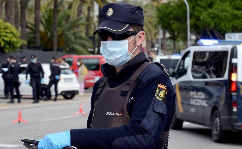 Control de Policia Nacional. Foto: COPE