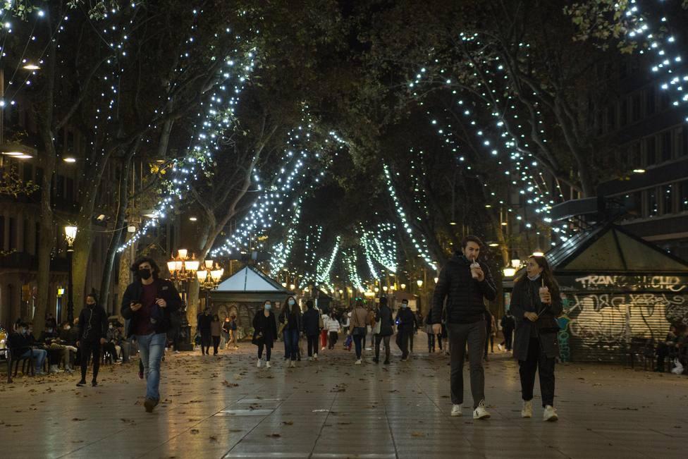 Barcelona también enciende su iluminado navideño