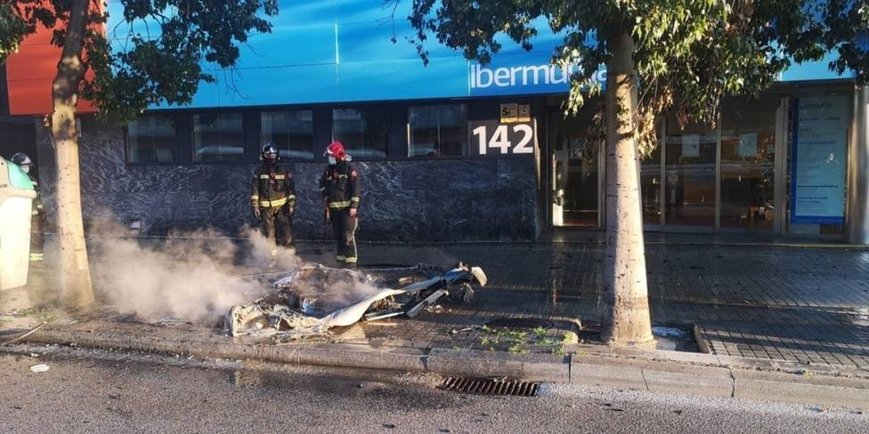 Sucesos.- Detenido un hombre por incendiar 12 contenedores en Barcelona y LHospitalet