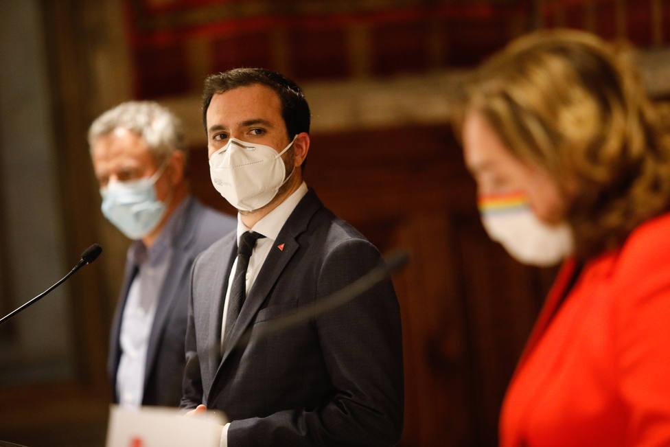 Garzón asegura que el Gobierno persigue reformas para bajar el precio de la luz