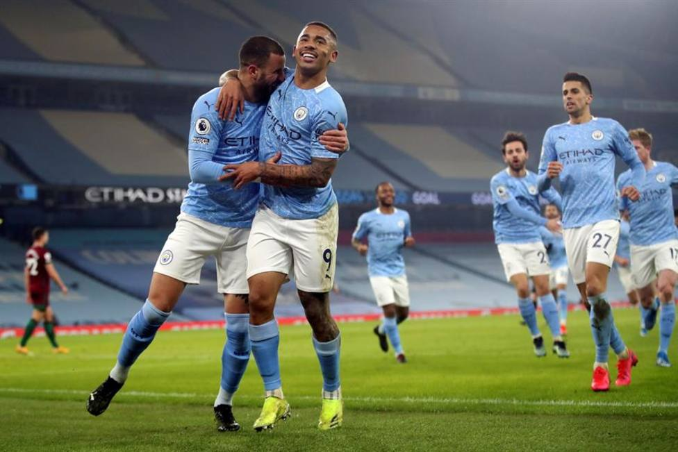 El City golea al Wolverhampton y sigue intratable