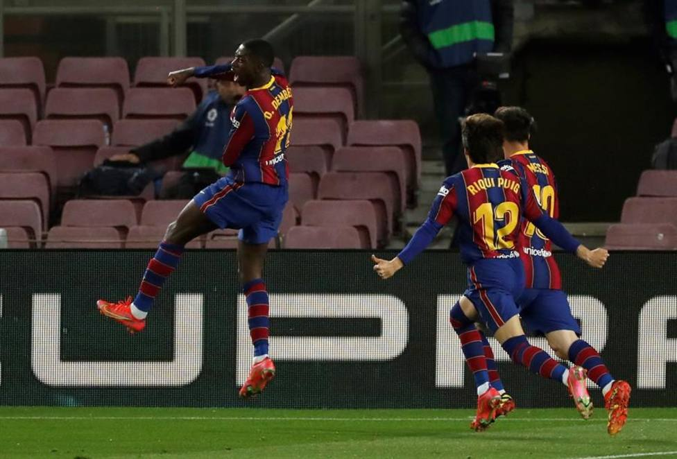 Dembélé deshace un embrollo para acercar el Barça a punto de la cabeza