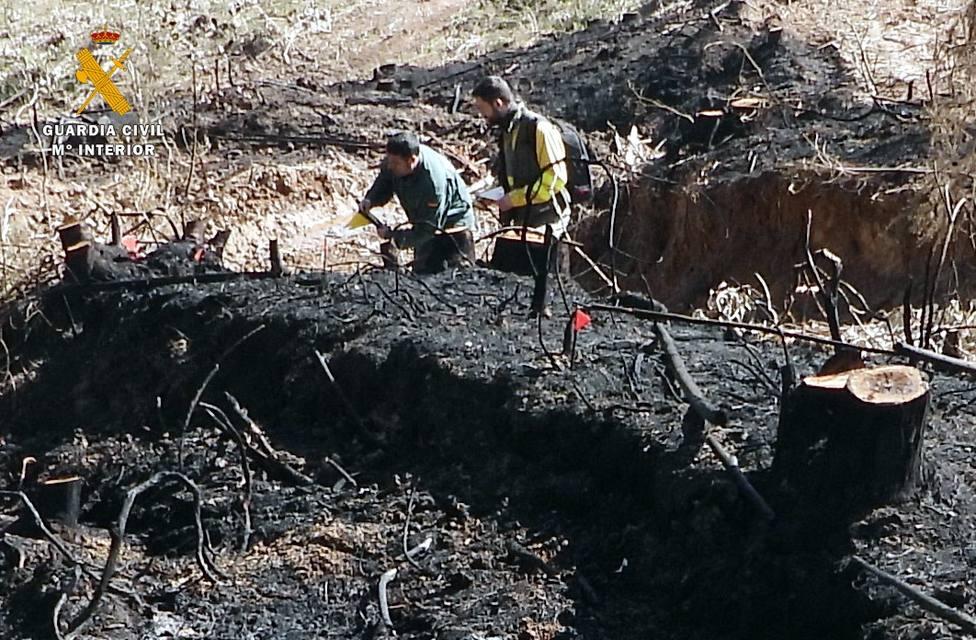 La Guardia Civil investiga a dos nuevos pirómanos como supuestos autores de dos incendios en Sámano e Isla