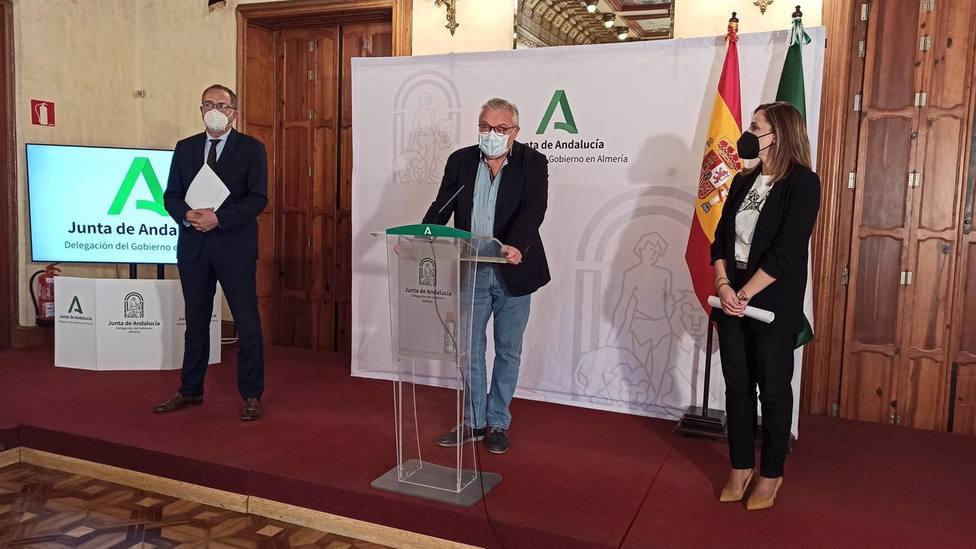 Almería.-Economía.-Casi 3.400 pymes de comercio, hostelería y artesanía de Almería solicitan las ayudas de 3.000 euros