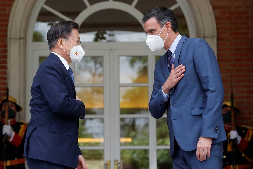 El insólito momento de Pedro Sánchez que ha llegado a la televisión coreana: No puedo más