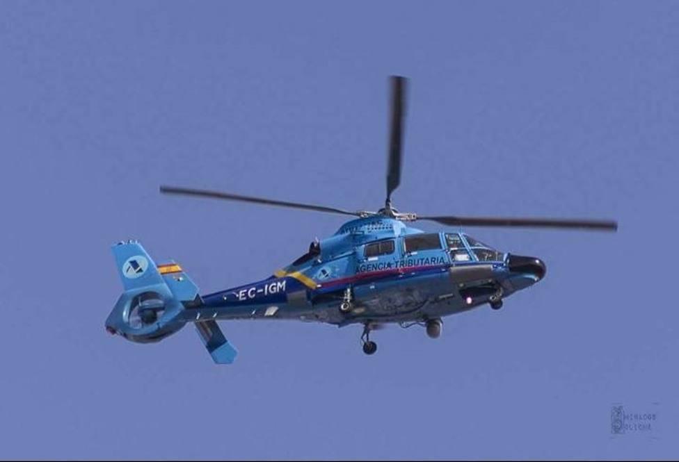 Muere un agente del Servicio de Vigilancia Aduanera al caer su helicóptero durante una persecución en Cádiz