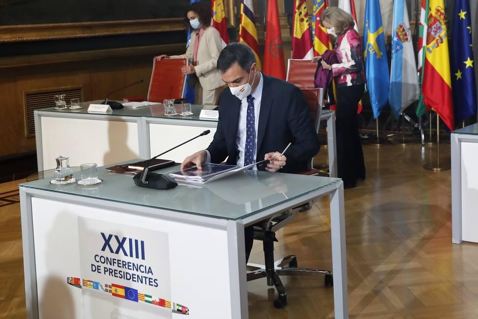 La Conferencia de Presidentes en el punto de mira: críticas a Sánchez por sus distinciones con Urkullu