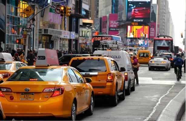 El taxi: una historia de casi 400 años en las ciudades