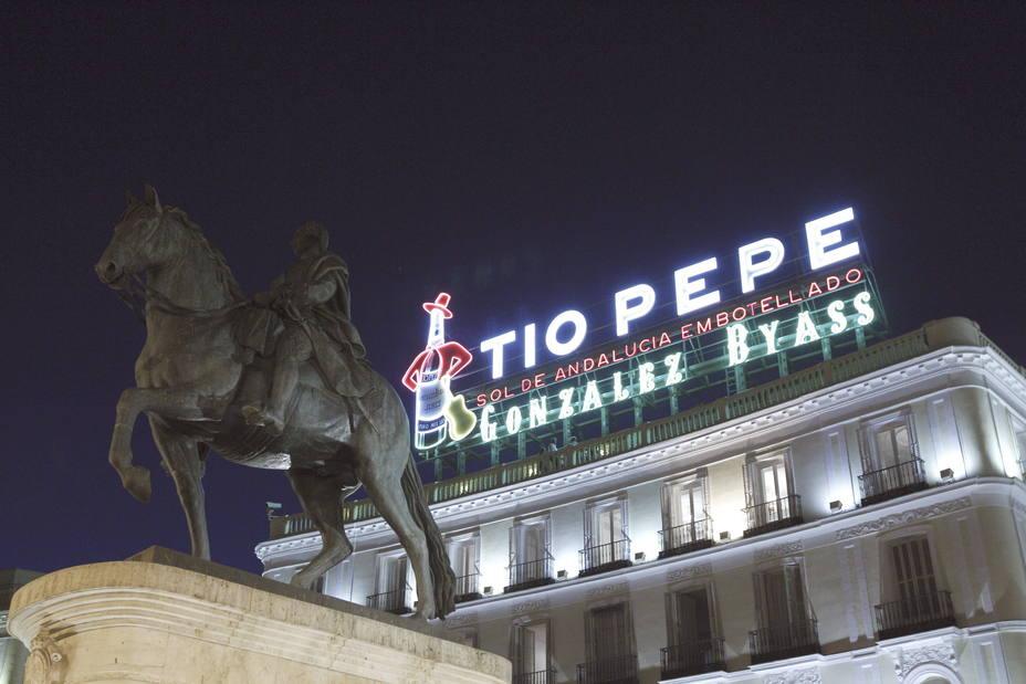 El luminoso de Tío Pepe en la Puerta del Sol de Madrid. EFE