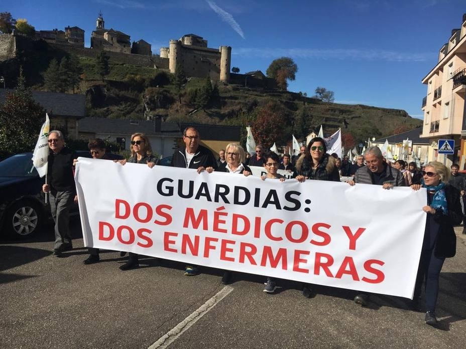 Medio millar de personas reclaman una mejora de los medios sanitarios en Sanabria (Zamora)