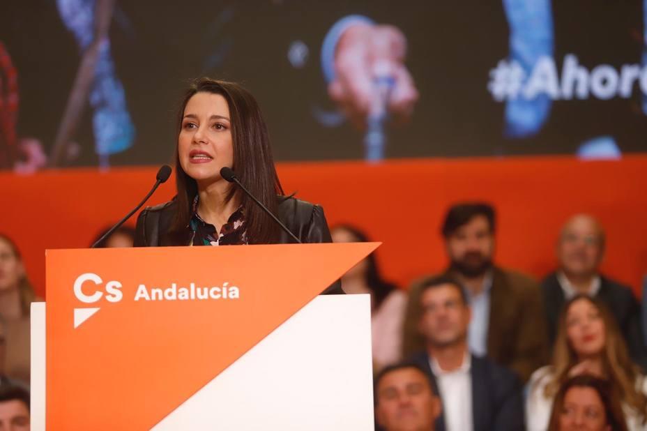 Arrimadas dice a Susana Díaz que no puede estar callada mientras los PGE se negocian en la cárcel