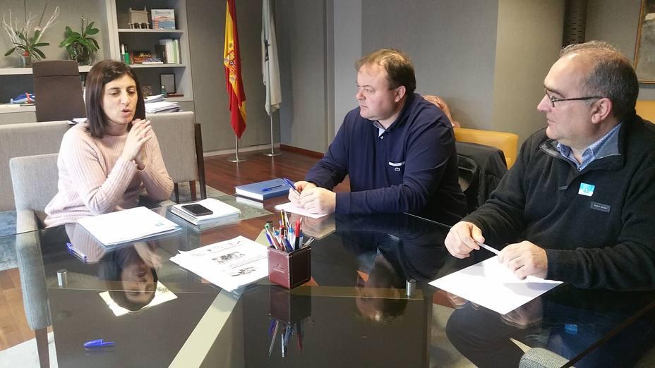 La reunión entre la conselleira y representantes del PP en Valdoviño