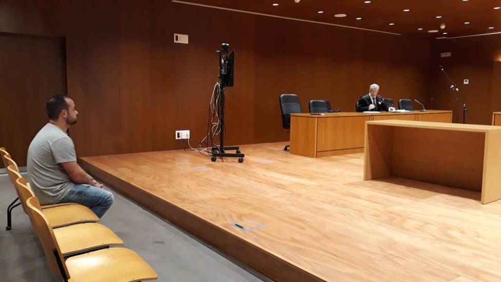 Vista oral por la agresión al alcalde de Carnota en la Audiencia de A Coruña