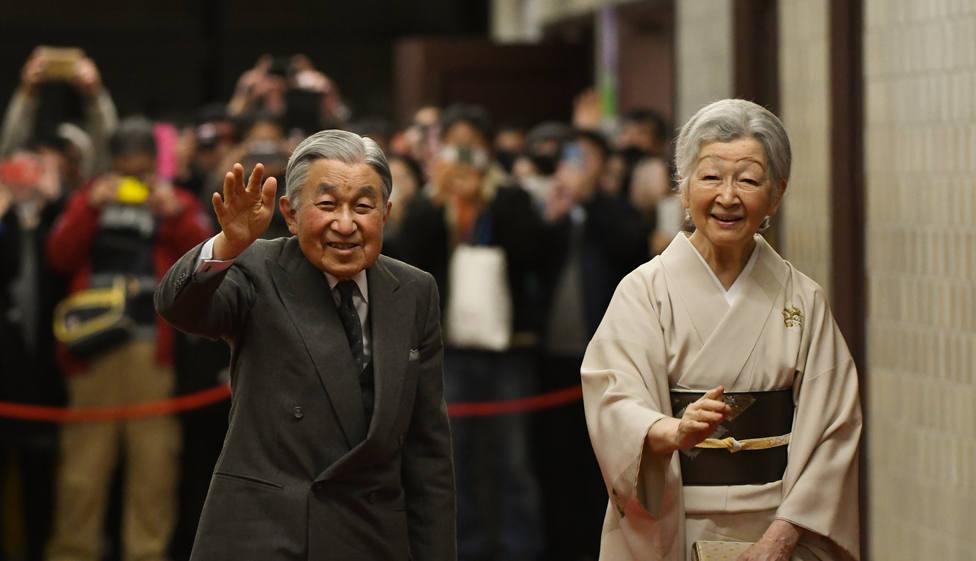 Japón comienza la Semana Dorada de fiestas antes de la histórica abdicación del emperador Akihito