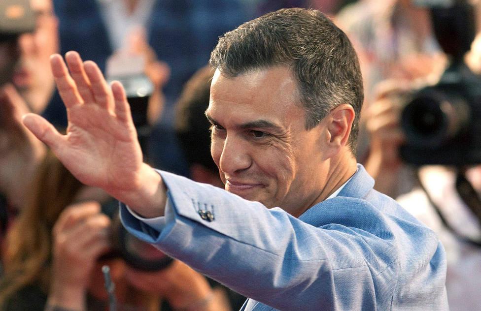 """Sánchez compara a PP, Ciudadanos y Vox con unos malos vecinos que generan """"ruido y problemas"""""""