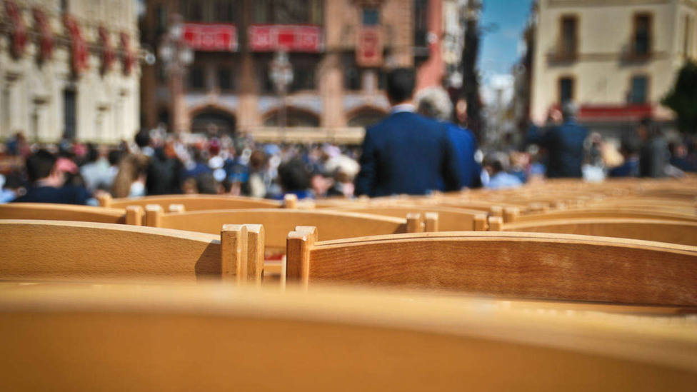 Detalle de las sillas de la Carrera Oficial de Sevilla