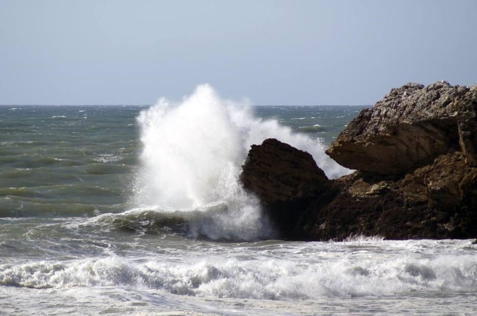 Cádiz, Málaga y Sevilla en alerta amarilla por fuertes vientos