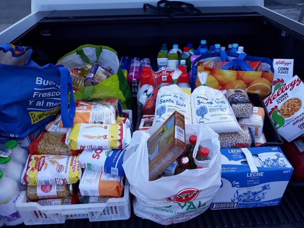 Foto de archivo de una recogida de alimentos - FOTO: Concello de Narón