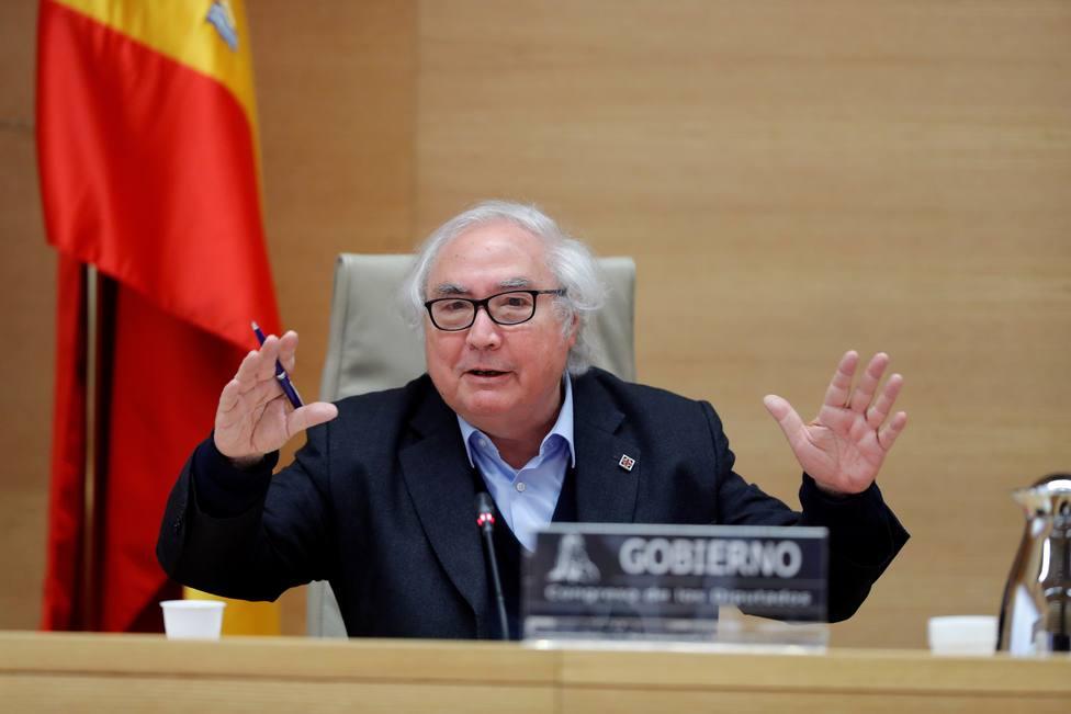 El cambio de criterio del ministro Castells que deja en evidencia su plan para intervenir las redes