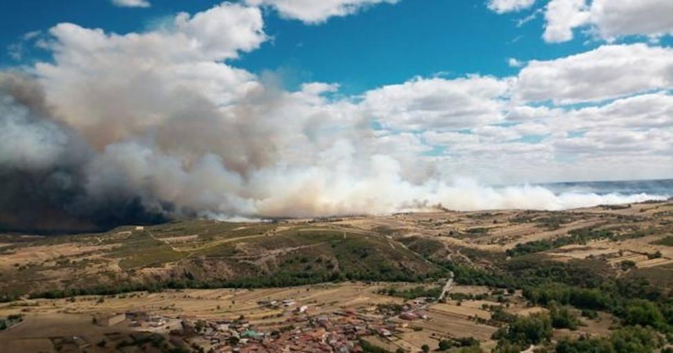 Un incendio forestal en Nivel 2 amenaza zonas pobladas de la provincia zamorana de Lóber de Aliste