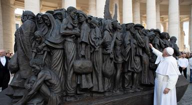 ctv-rdl-escultura-papa-francisco