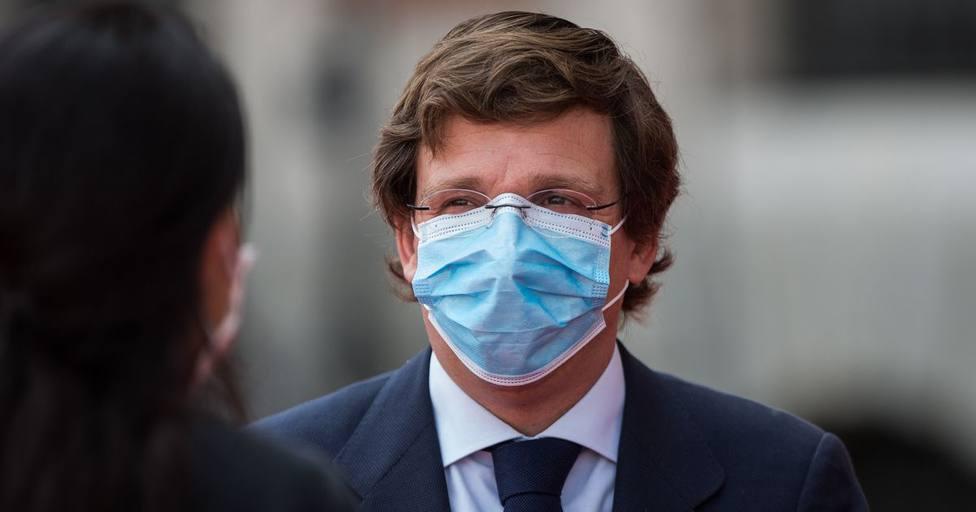 Almeida no valora la posible intervención de Sanidad en Madrid y apunta que las restricciones evitan contagios