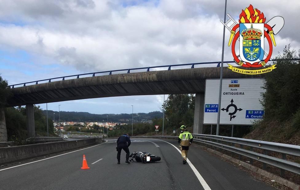 El motorista perdió el control en la FE-11, en la zona de O Couto, en Narón - FOTO: SPEIS Narón