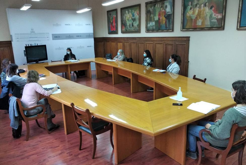 Representantes de la Mesa Técnica sobre Personas SinTecho en Ferrol. FOTO: concello de Ferrol