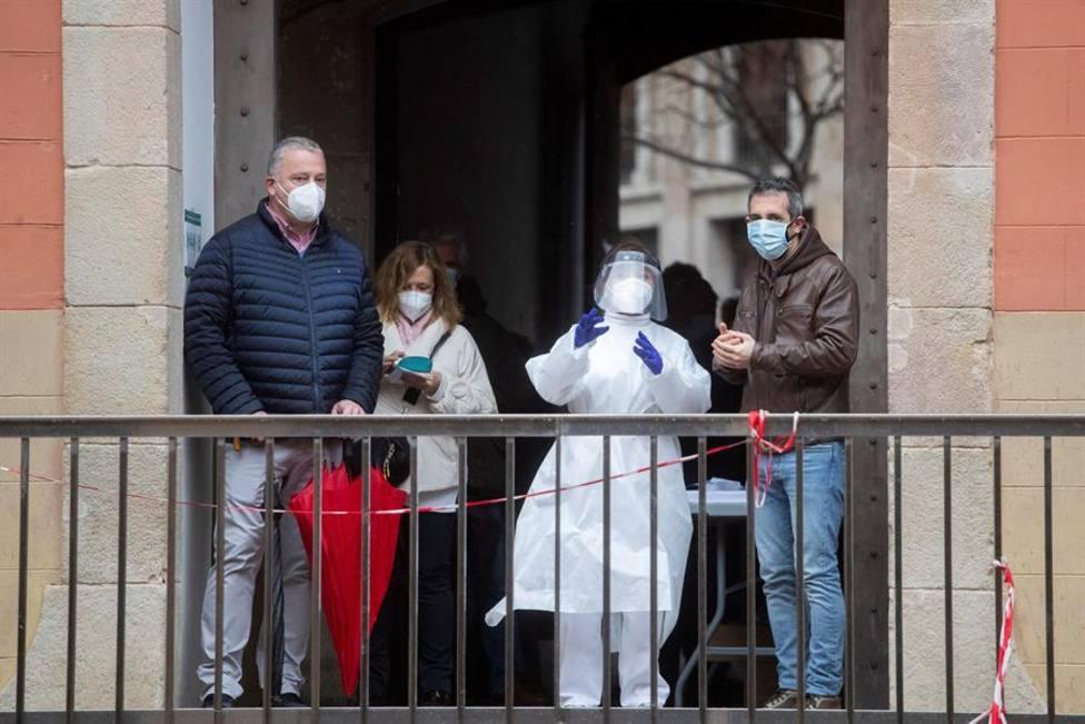 La curva epidémica vuelve a subir en Cataluña, con las ucis aún llenas