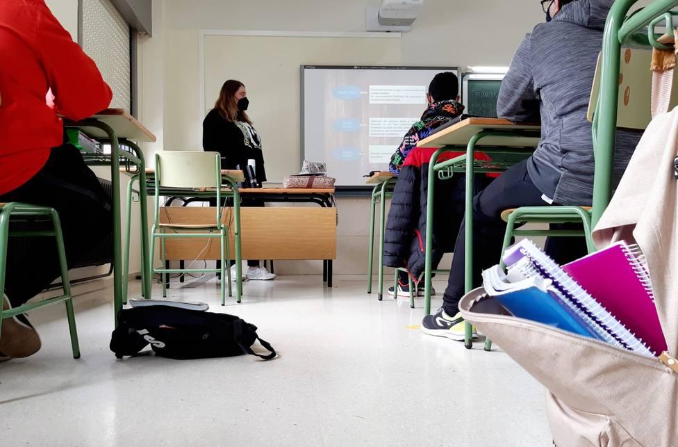 Los talleres se están llevando a cabo en el instituto Fernando Esquío de Neda. FOTO: Concello de Neda