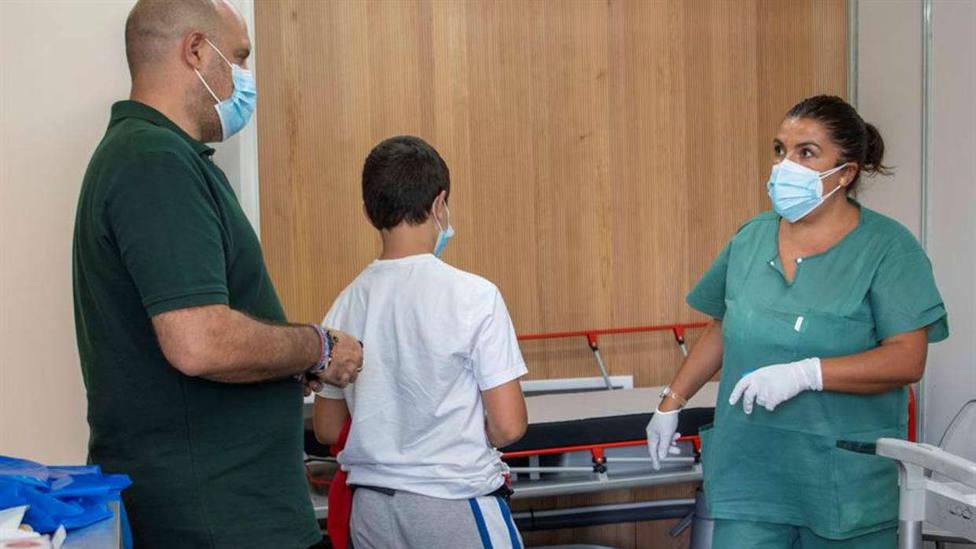 Los pediatras ven necesario vacunar a todos los niños y adolescentes de covid