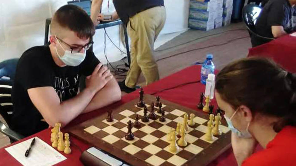 La ajedrecista motrileña Rosa Adela Lorente Serrano se proclama tercera en el Andaluz cadete
