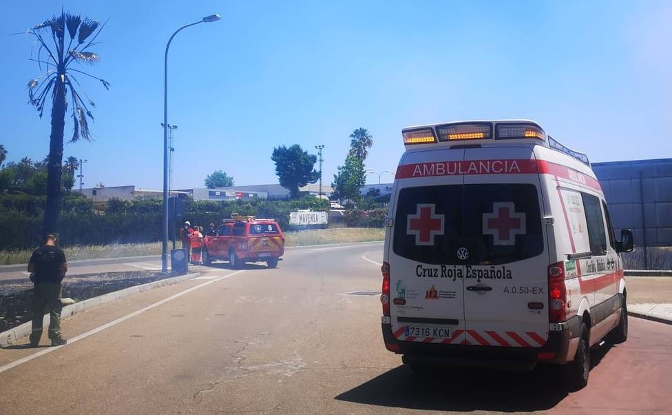 Incendio en Badajoz. Foto: Cruz Roja Extremadura @CruzRojaEx