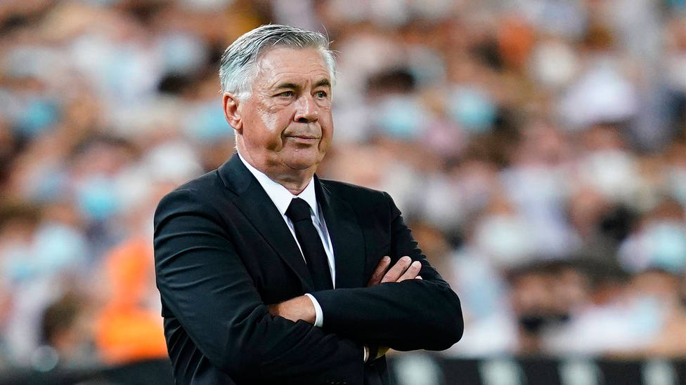 Carlo Ancelotti, entrenador del Real Madrid, en Mestalla durante el partido de Liga ante el Valencia. EFE