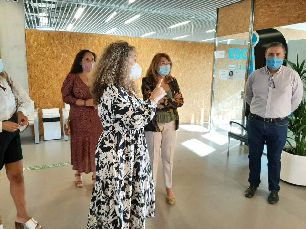 Campuzano visita el Centro Integrado de FP de Lorca en el inicio del curso