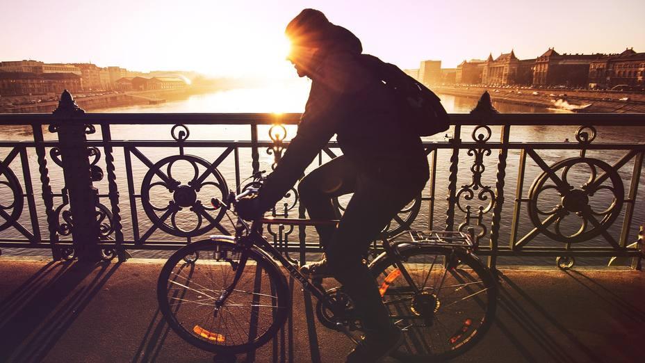 Chico en bicicleta | PIXABAY