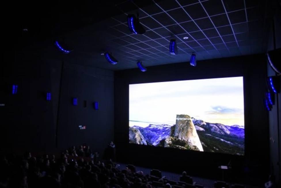 La experiencia inmersiva de la pantalla de cine LED Onyx de Samsung llega a España con los cines Odeon Sambil