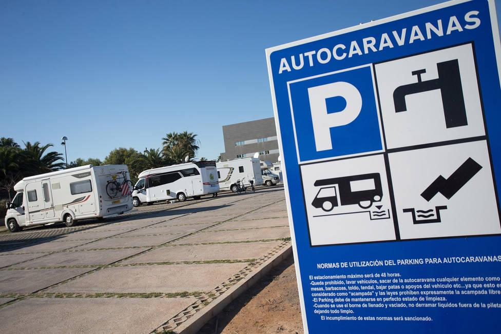 Foto de archivo de un área de estacionamiento de autocarabanas - FOTO: Efe / Domench Castelló