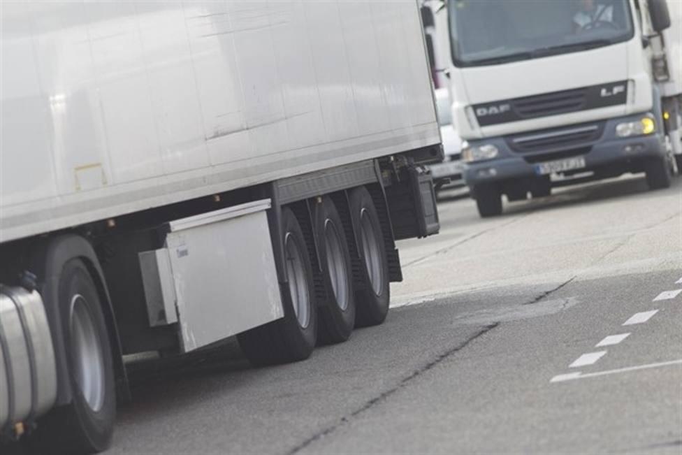 La patronal del transporte internacional por carretera condena los cortes de carreteras en Cataluña