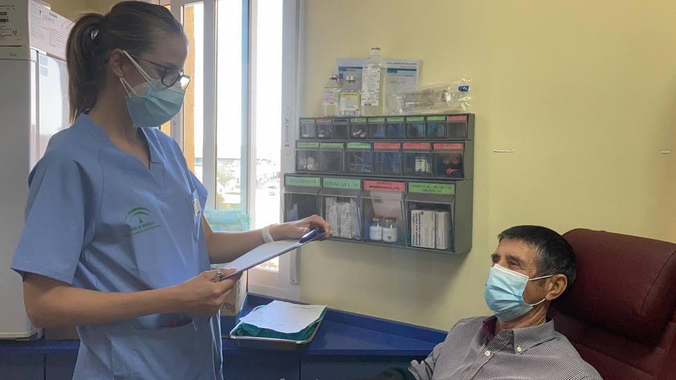 El Hospital del Linares establece un triaje para proteger a pacientes inmunodeprimidos frente al Covid-19