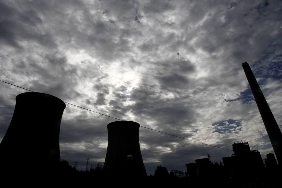 Foto de archivo de la central térmica de Endesa - FOTO: EFE / Kiko Delgado