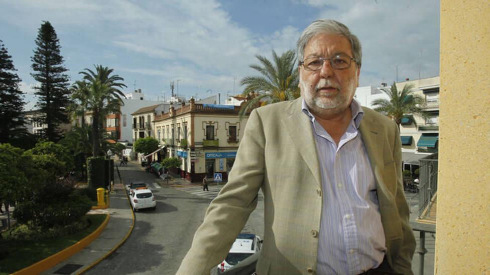 El presidente del Consejo Andaluz de Gobiernos Locales espera resolver la infrafinanciación del SAD