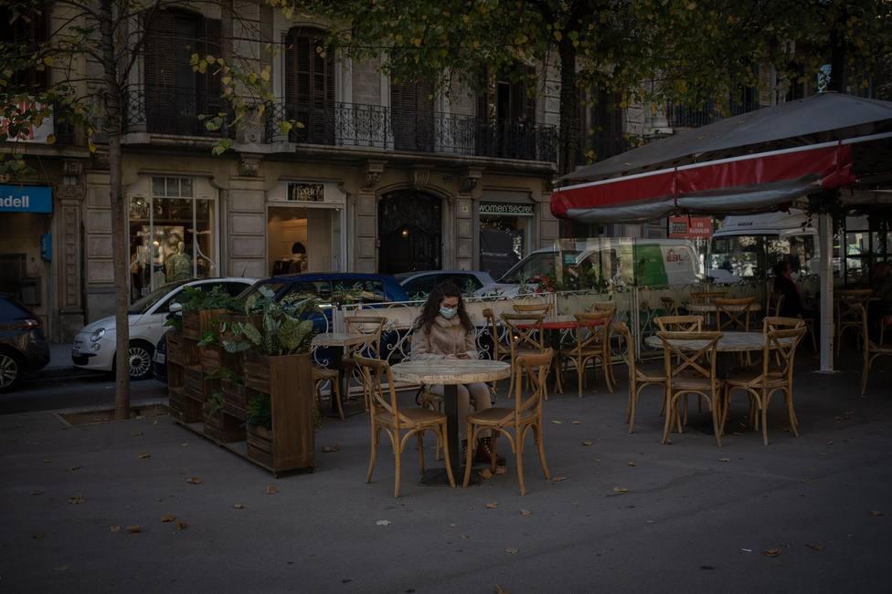 Un bar en Catalunya durante la pandemia - David Zorrakino - Europa Press - Archivo