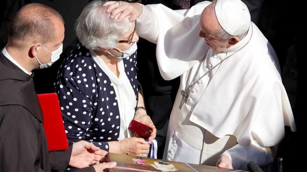 El conmovedor encuentro entre el Papa y una ex prisionera de Auschwitz: Nos entendimos con los ojos