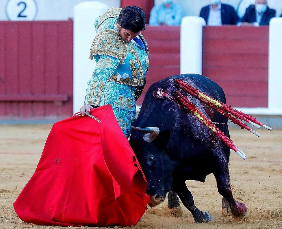 Derechazo profundo y ceñido de Morante de la Puebla este viernes en Valladolid