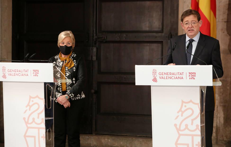 Ximo Puig junto a la consellera de Sanitat, Ana Barceló