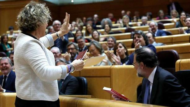 El presidente del Senado obliga a la portavoz de ERC a acatar la Constitución en castellano