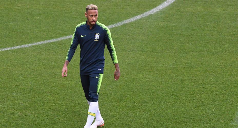 Neymar en el calentamiento